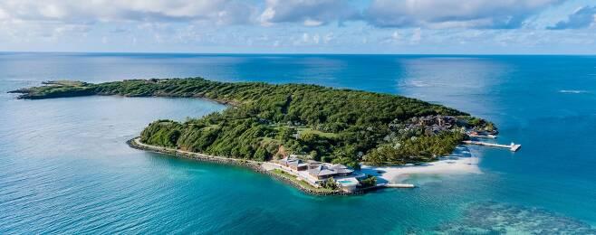 멀린다 게이츠가 이혼 발표에 앞서 남편 빌 게이츠를 제외한 가족과 함께 떠났던 여행지인 칼리비니 섬