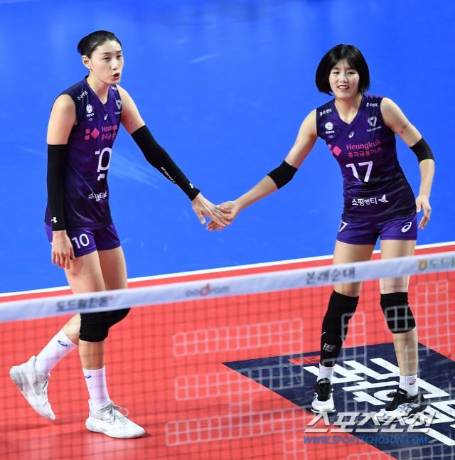 김연경(왼쪽)과 이재영. 스포츠조선DB