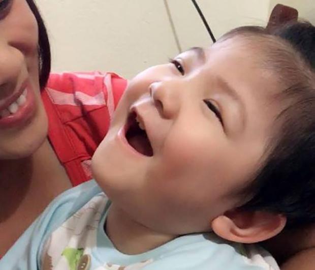 팜 티 탄 땀은 굴하지 않았다. 평생 혼자 사는 한이 있더라도, 아기는 꼭 책임질 거라는 뜻을 밝혔다. 최고의 병원에서 아기를 치료했고, 한시도 떨어지지 않으며 관심과 사랑으로 정성껏 아기를 돌봤다. 꾸준한 그녀의 보살핌에 사람들도 하나둘 의심의 눈초리를 거두기 시작했다. 그녀의 헌신 속에 아기의 건강도 점차 회복됐다.
