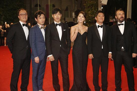 출처: [이투데이] '표적', 칸 영화제서 기립박수...유준상·김성령 칸의 밤 달구다