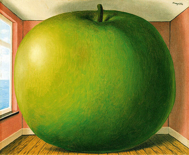 출처: Rene Magritte, The Listening Room, 1952.