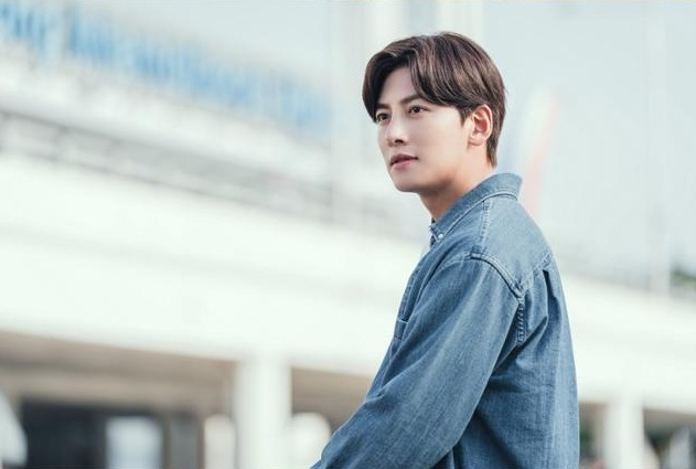 출처: [카카오M] 드라마 '도시남녀의 사랑법' 지창욱 스틸컷