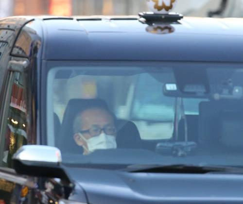 머리가 희끗희끗한 고령의 도쿄 시내 택시 기사. [촬영 이세원, 연합뉴스 자료사진]