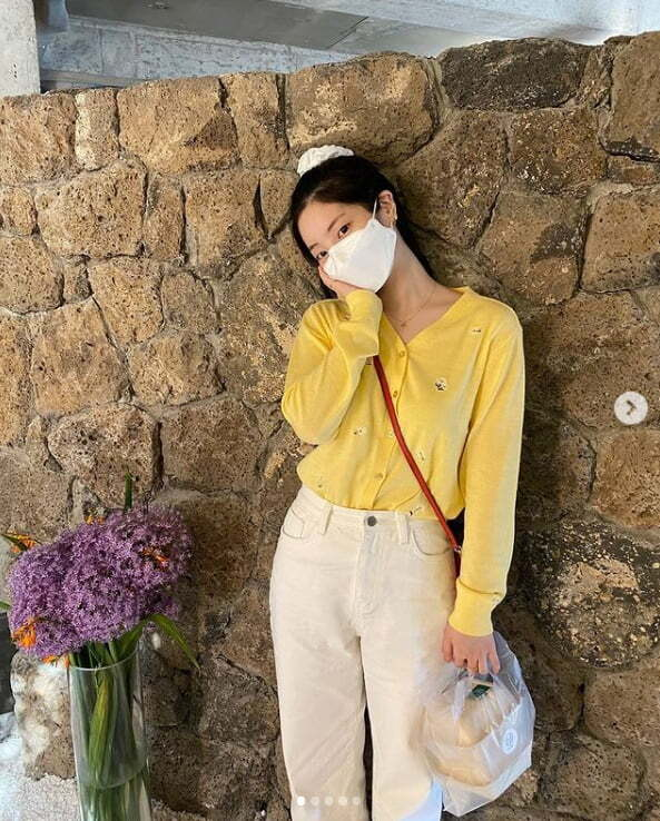 TWICE Dahyun has revealed the latest.Group TWICE member Dahyun posted several photos on the official Instagram on the afternoon of the 7th.The photo, which was released together, shows Dahyun, who went out with white pants in a yellow cardigan with flower embroidery.Meanwhile, TWICE will release the soundtrack and movie of the title song Alcohol-Free at 6 pm on the 9th and officially release the tenth mini album Taste of Love at 1 pm (Eastern US time 0 pm) on the 11th.Photo: TWICE SNSa fairy tale that children and adults hear togetherstar behind photoℑat the same time as the latest issue