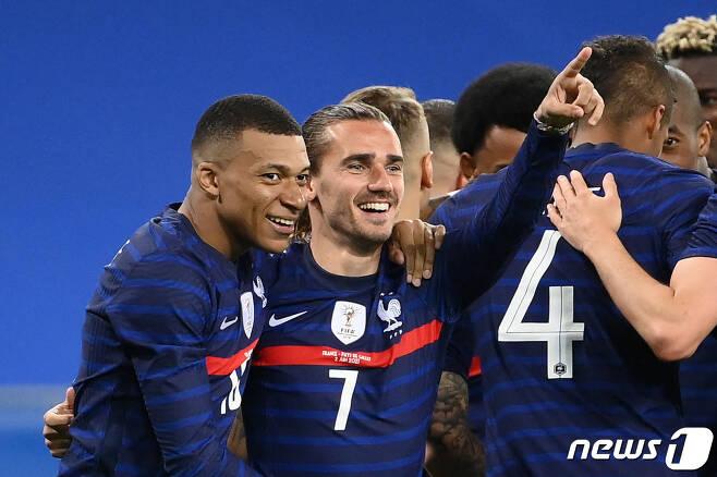 우승 후보로 꼽히는 프랑스 © AFP=뉴스1