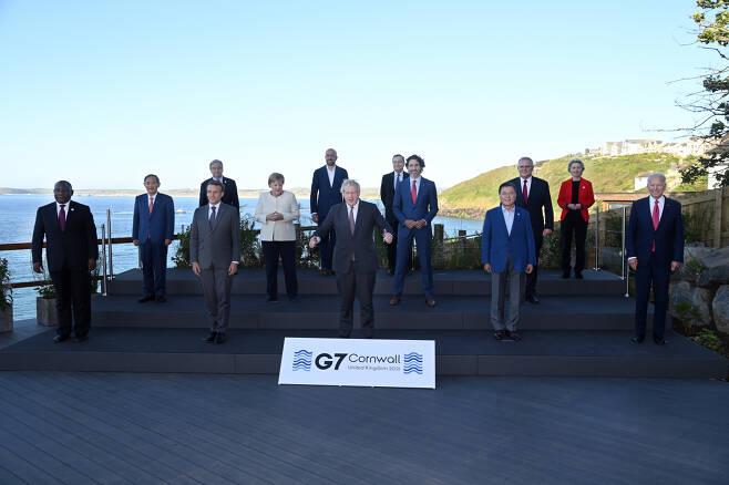 G7 정상회의 참가 정상들의 단체 촬영.[사진=플리커 G7 정상회의 계정]