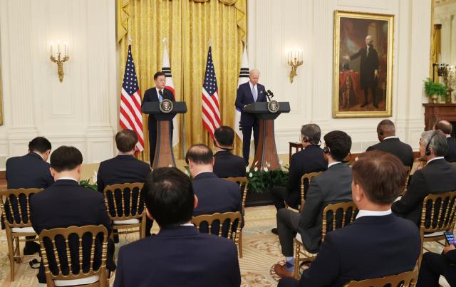 문재인 대통령과 조 바이든 미국 대통령이 5월21일(현지시간) 백악관에서 정상회담 후 공동기자회견을 하고 있다. /연합뉴스