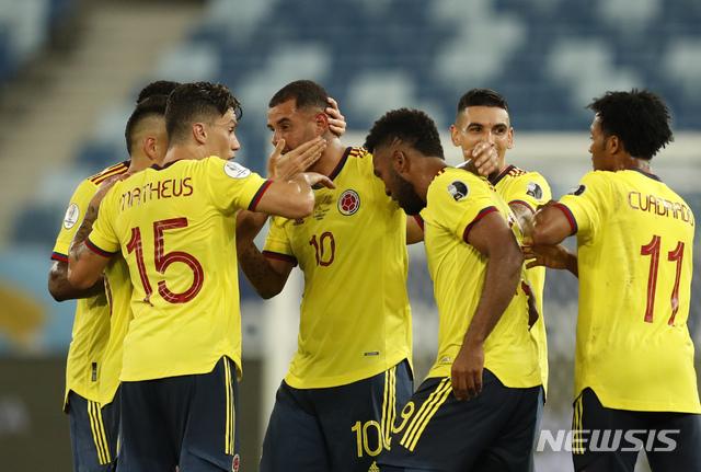 [쿠이아바=AP/뉴시스] 콜롬비아가 에콰도르를 제압했다. 2021.06.13.