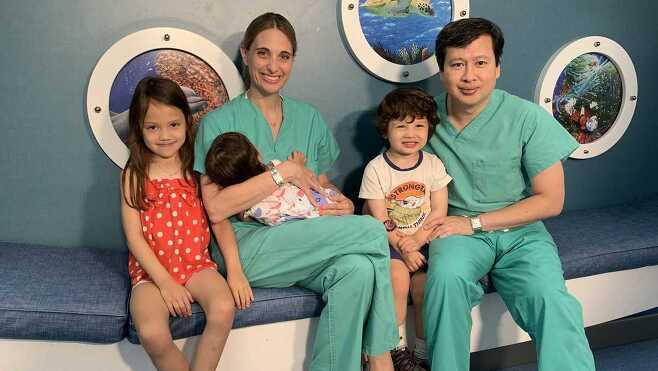 6살, 3살, 1살 자녀에게 화이자 백신 맞게 한 美 의사 부부