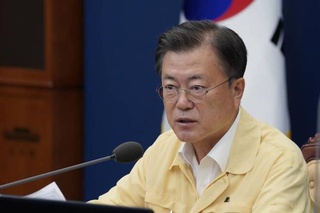 [서울=뉴시스] 문재인 대통령이 19일 오후 청와대에서 열린 수석·보좌관회의에서 발언하고 있다. (사진=청와대 제공) 2021.7.19. photo@newsis.com *재판매 및 DB 금지