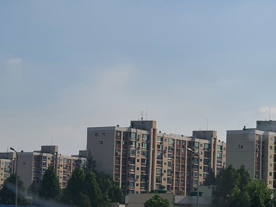 서울 강남구 압구정동 현대 7차 아파트 단지. 76동이 80평형으로 구성된 동이다. 함종선 기자