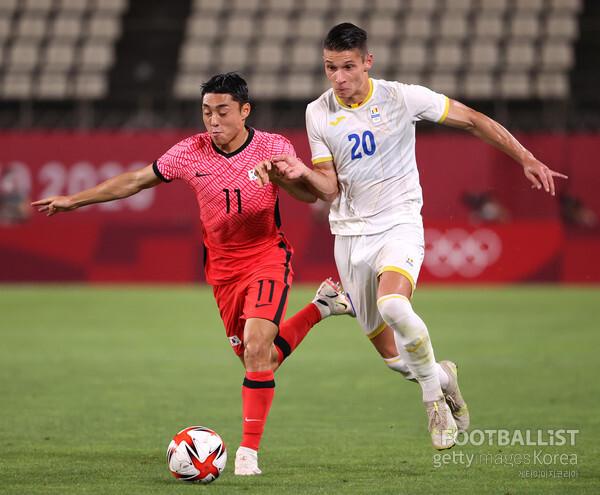 이동준(왼쪽, 한국 올림픽 대표팀). 게티이미지코리아