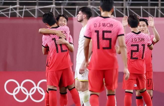 ▲ 올림픽 축구대표팀이 루마니아를 4-0으로 대파하며 8강 진출 가능성을 살렸다. ⓒ연합뉴스