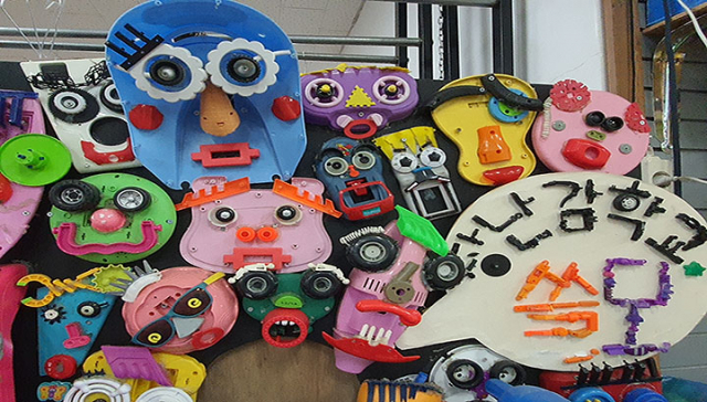 교육프로그램 쓸모에서 만든 다양한 장난감들이에요.