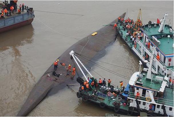 2015년 양쯔강 선박 전복 사고 (출처: 텅쉰)