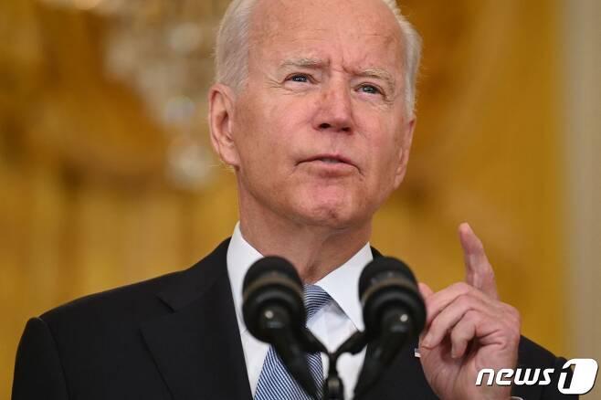 조 바이든 미국 대통령이 16일(현지시간) 백악관에서 아프간 정부 붕괴 사태와 관련 대국민 연설을 하고 있다. © AFP=뉴스1 © News1 우동명 기자