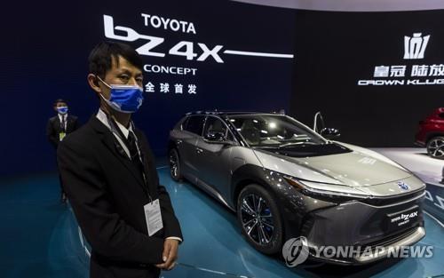去る4月、上海モーターショーで公開されたトヨタのコンセプト電気自動車「bZ4X '。 [EPA =連合ニュース資料写真]