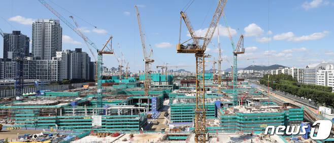 서울의 한 아파트 공사현장. 2021.9.15/뉴스1 © News1 이승배 기자