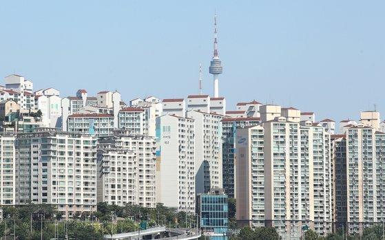 아파트 공급에 다급한 정부가 비아파트 규제 완화 카드를 꺼내들었다. 연합뉴스