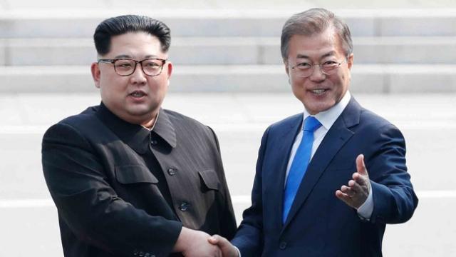 문재인 대통령과 김정은 북한 국무위원장. /연합뉴스