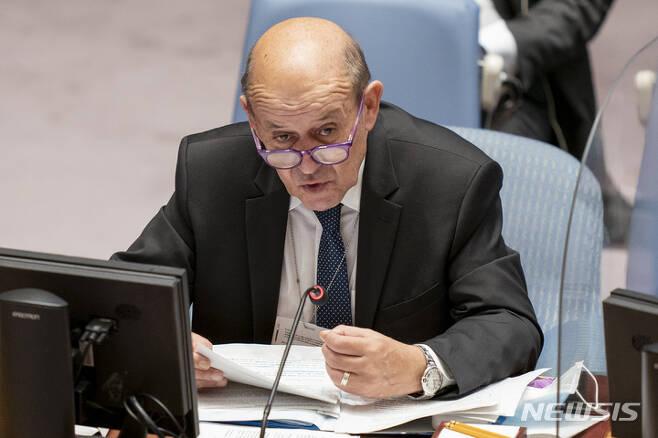 [뉴욕=AP/뉴시스] 장이브 르드리앙 프랑스 외무장관이 23일(현지시간) 미국 뉴욕 유엔본부에서 개최된 유엔 안전보장이사회 회의에서 발언하고 있다. 2021.09.24.
