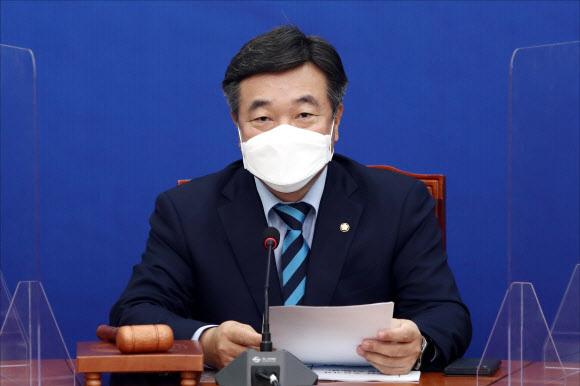 더불어민주당 윤호중 원내대표가 24일 국회에서 열린 최고위원회의에서 발언하고 있다. 국회사진기자단