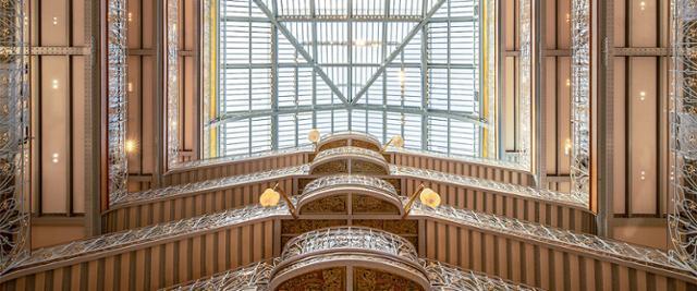 사마리텐의 천장은 철골 구조에 유리로 마감됐다. 자연광이 백화점 내부 깊숙한 곳까지 들어온다. ⓒWeAreContents· 프랑스 관광청