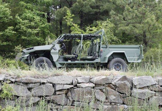 GM이 생산하고 미국 육군이 시험하고 있는 보병분대차량(ISV) 전기차. GM