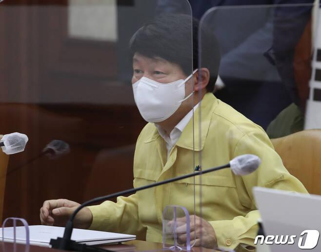 안경덕 고용노동부 장관. /뉴스1DB