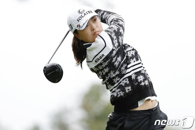 고진영이 10일(현지시간) 미국 뉴저지주 웨스트 콜드웰의 마운틴 리지 컨트리클럽에서 연린 LPGA 투어 코그니전트 파운더스컵 마지막 날 2번 홀서 티샷을 하고 있다. © AFP=뉴스1 © News1 우동명 기자