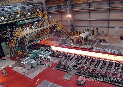 중국 장쑤성 소재 포스코 자회사 공장 2010년 가동 모습  [연합뉴스 자료사진]